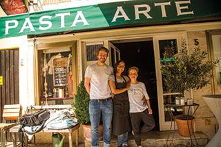 """""""Pasta Arte""""-Chef Max Feninger mit Familie."""