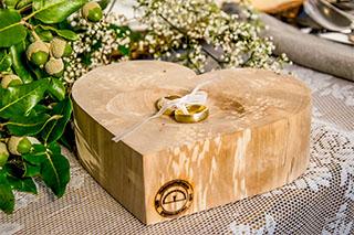 Das festliche Drumherum: Hochzeits-Accessoires vom Holzwurmdratzer